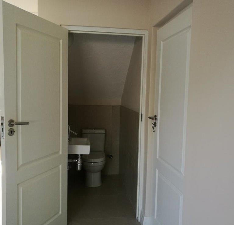 Townhouse Duplex For Rent: 3 Bedroom Duplex Town House To Rent With Single Garage In